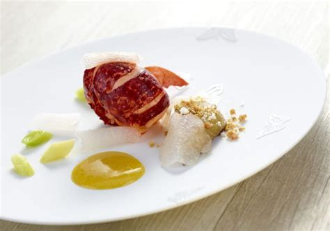 cuisiner araign馥 de mer cuisiner la mer de ga 235 l orieux 70 esp 232 ces et 90 recettes