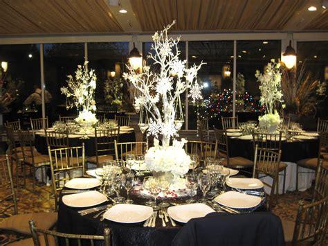 theme wedding decorations centerpieces types of wedding centerpieces for each wedding theme