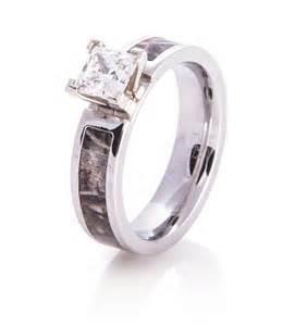 camo wedding ring camo engagement wedding ring camo engagement rings titanium buzz