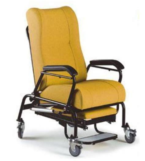 sillones con ruedas sill 243 n postural con ruedas ortopedia plaza
