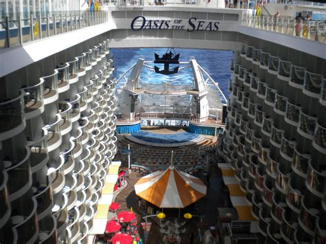 Allure Of The Seas Floor Plan by File Ms Oasis Of The Seas Aqua Theater Amphitheatre