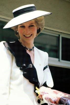 Kaos Diana kaos saat tewas kecelakaan putri diana tengah anak