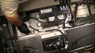 Volvo Xc90 Battery 2004 Volvo Xc90 2 5l Fwd How To Change The Battery