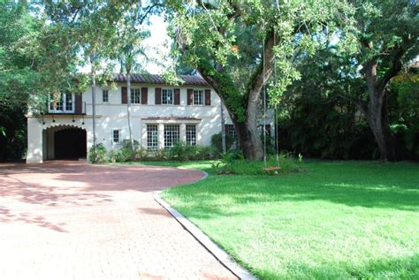 how to buy a house going into foreclosure 1939 coconut grove mansion goes into foreclosure coconut