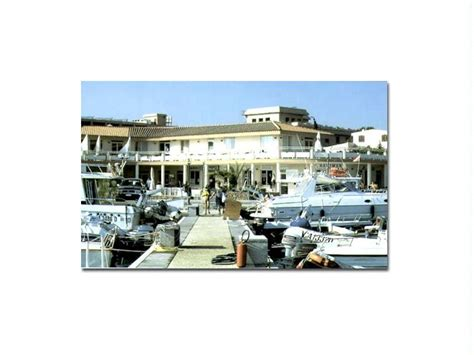 the boat on the serchio mooring for sale in m capitana of sardinia 9 5x3 5m