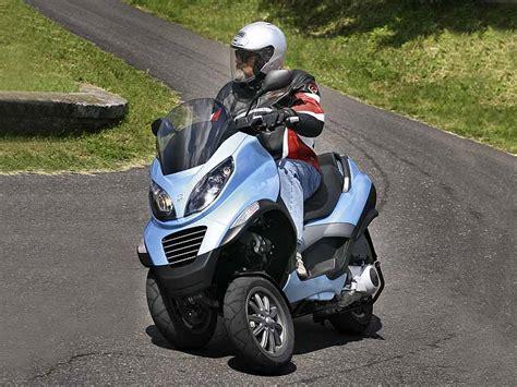 Motorrad Dreirad Pkw F Hrerschein by Motorrad Piaggio Mp3 Lt 400 Nimm Drei Ace Auto Club