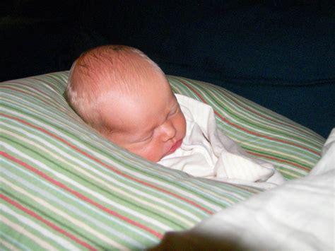 cuscino gravidanza chicco cuscino per l allattamento boppy gravidanzaonline