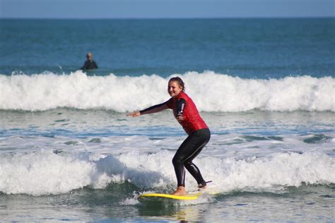 surf couching intermediate level surf coaching surf safe surf coaching