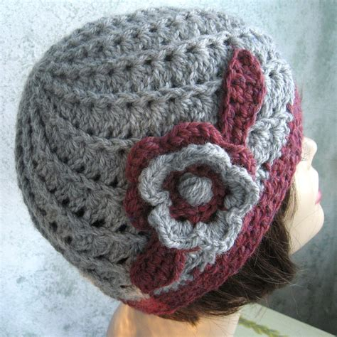womens crochet hat pattern spiral rib with flower trim