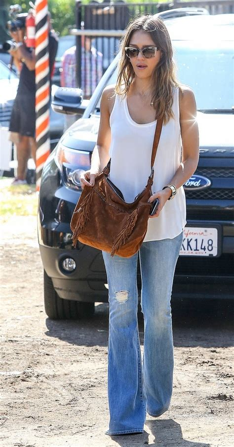 jessica alba flare jeans jessica alba rocks in flare jeans denimology
