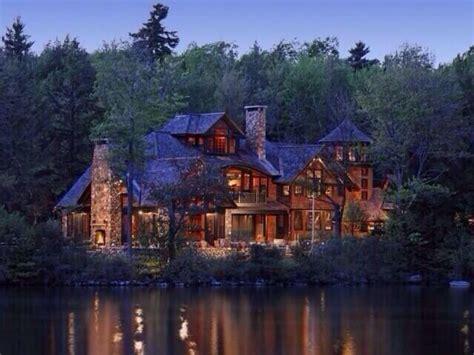 lake house share