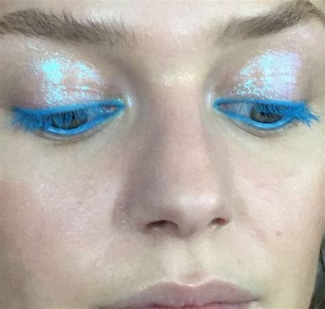 8 Eyecatching Coloured Mascaras by Best 25 Bright Blue Ideas On