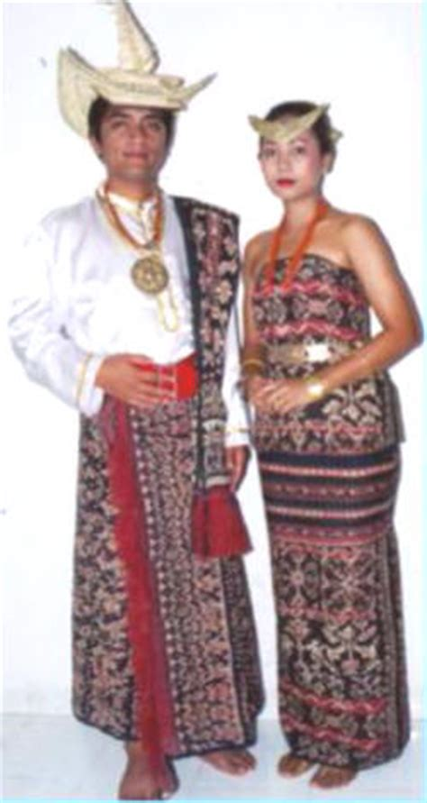 Kain Tenun Asli Ntt Dari Pulau Sabu budaya indonesia desember 2010