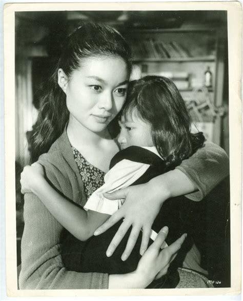 Yokiro Tuniq picture of yoko tani