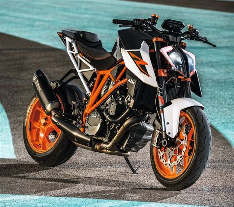 Ktm 1290 Superduke 2017 Ktm 1290 Duke R Unleashed At Eicma 2016