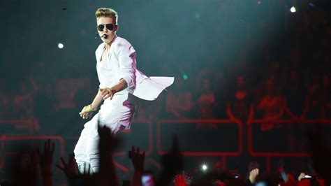 justin bieber birthday biography justin bieber birthday the singer s life and career in