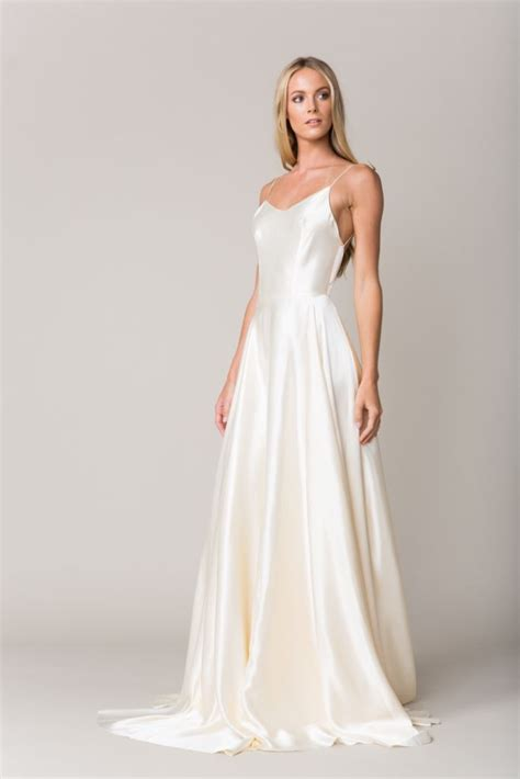 Silk Gown Wedding by 25 Best Silk Wedding Gowns Ideas On Silk