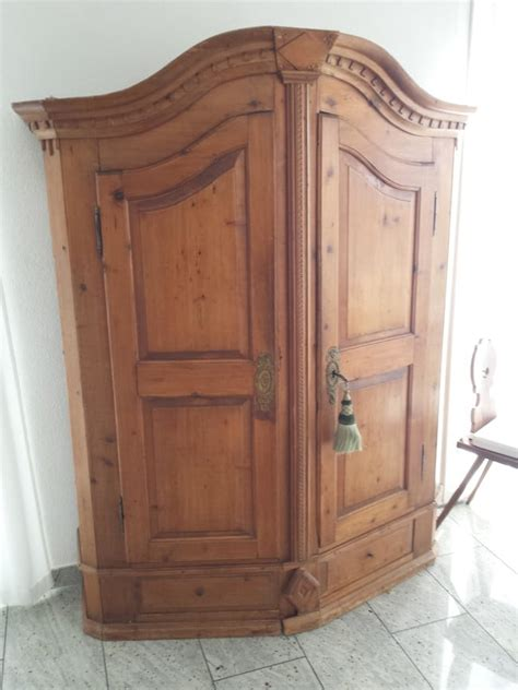 alter kleiderschrank he was given an antique cabinet but didn t expect to find
