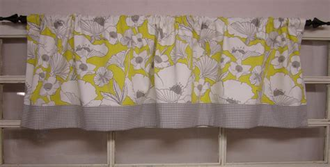 kitchen curtains window valance window by runningwithribbons
