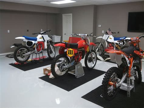 Dirt Bike Garage by Advice On Garage Bike Mat Moto Related Motocross
