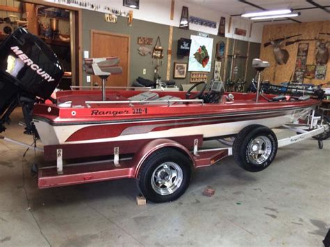 bass boats for sale midwest preowned bass boats fishing equipment midwest home