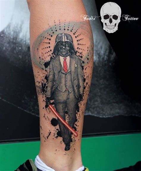 tattoo en el pie tatuaje surrealista de darth vader situado en el pie