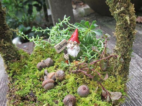 create  gnome garden basket wwwgardenchickcomcreate