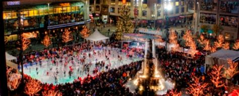 best roads in cincinnati for christmas lights light up the square november 26th savings lifestyle