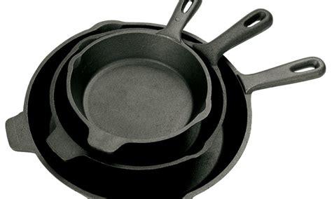 living social cast iron cookware 58 off on bayou classic cast iron skillets livingsocial