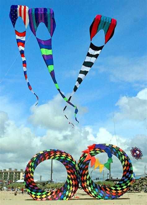 lincoln city kite festival kite festival at lincoln city oregon photograph by