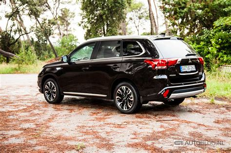 mitsubishi outlander 2016 black mitsubishi outlander phev facelift rijtest en video