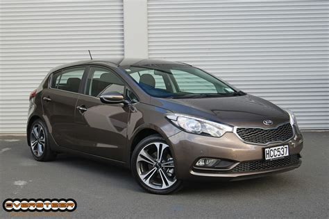 Kia Cerato Hatch Road Test Kia Cerato Hatch Oversteer