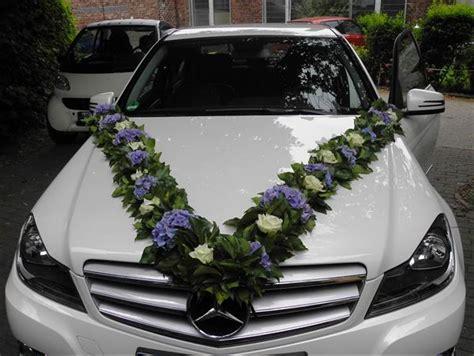 Hochzeitsauto Blumendeko by Blumen Deko Hochzeit Auto Execid