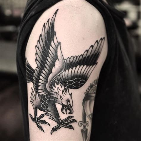 traditional eagle tattoos best 25 traditional eagle ideas on