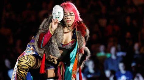 trish stratus lita return asuka wins the women s royal rumble as trish stratus and