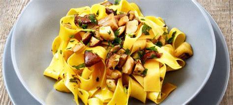 cucinare funghi surgelati come cucinare tagliatelle ai funghi porcini surgelati