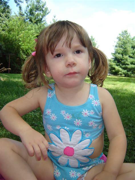 vichatter daughter cum vk 8 little girls on stickam newhairstylesformen2014 com
