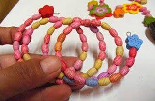 membuat gelang keren cara membuat gelang dari manik manik keren cara membuat