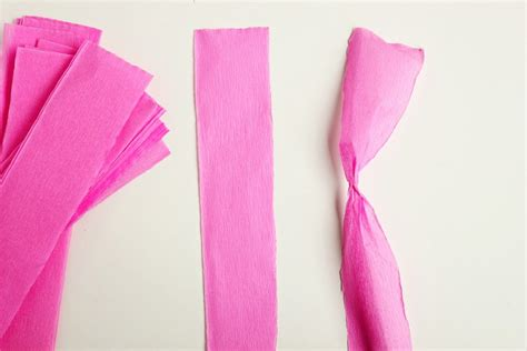 Pom Poms From Crepe Paper - diy crepe paper pom 4 the sweetest occasion the