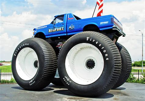 biggest bigfoot monster truck biggest monster truck www pixshark com images