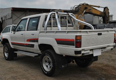 Toyota Hilux 1987 Model Used Toyota Hilux Suv 4wd 1987 Model In White Used Cars