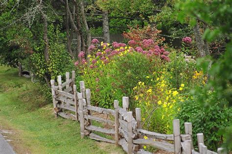 Flower Garden Fencing Two And A Farm Inspiration Thursday Farm Fence