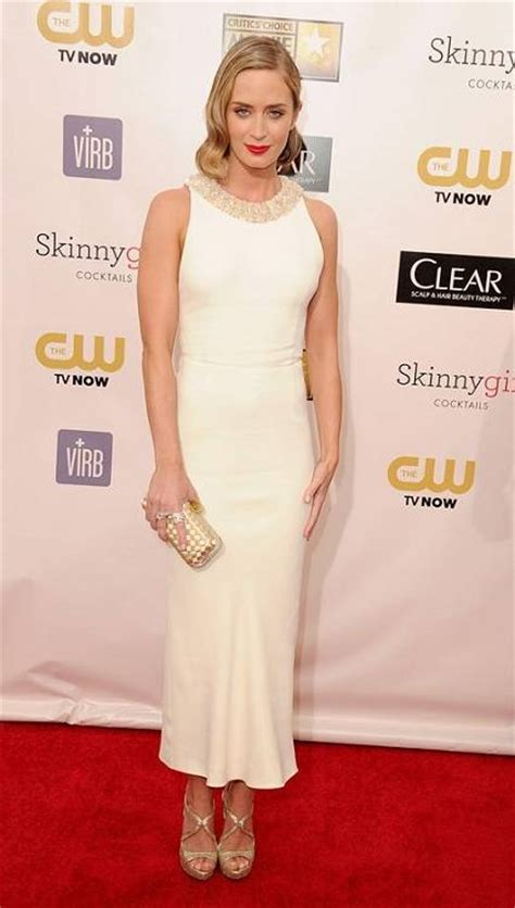 emily vanc height how tall celebheights how tall is emily wickersham entire tips