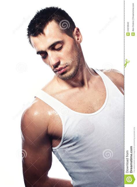 los hombres mojados no 8420675148 remoje a los hombres hermosos jovenes mojados fotograf 237 a de archivo imagen 24918942