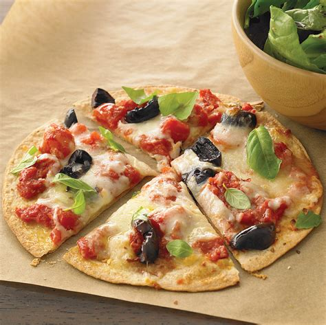 cheese tortilla pizza  arugula salad