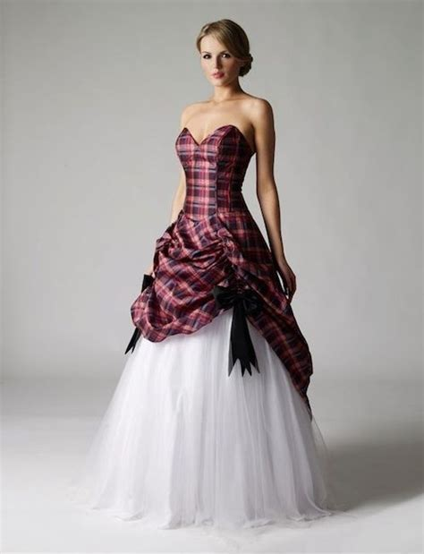 Best 25  Scottish dress ideas on Pinterest   Tartan