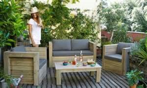 un mini salon de jardin pour espace joli place