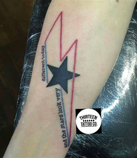 david bowie tattoo 25 best ideas about david bowie on
