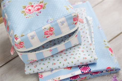 simple zippered pouch pattern easy zippered box pouch tutorial diy tutorial ideas