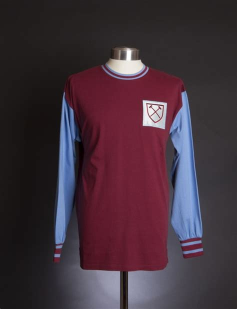 Tshirt Player Desain Nvf Caroll 64 best images about west ham on place of worship football and west ham united fc